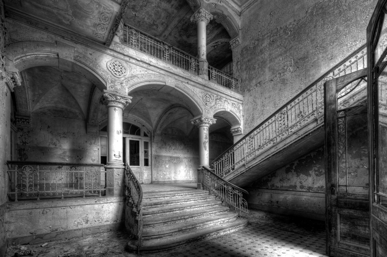 Gebäude Schwarz & Weiß