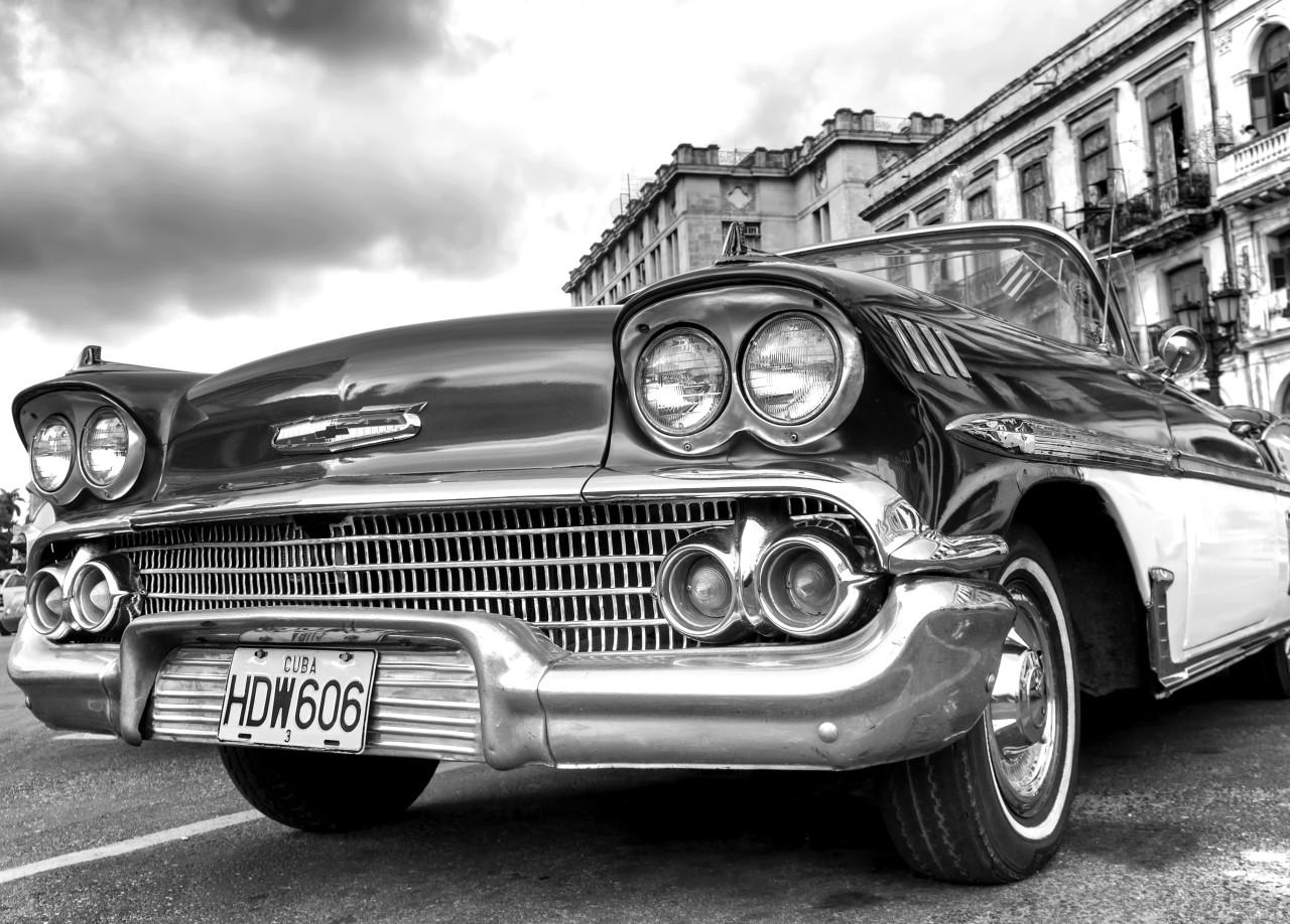 Auto Schwarz & Weiß