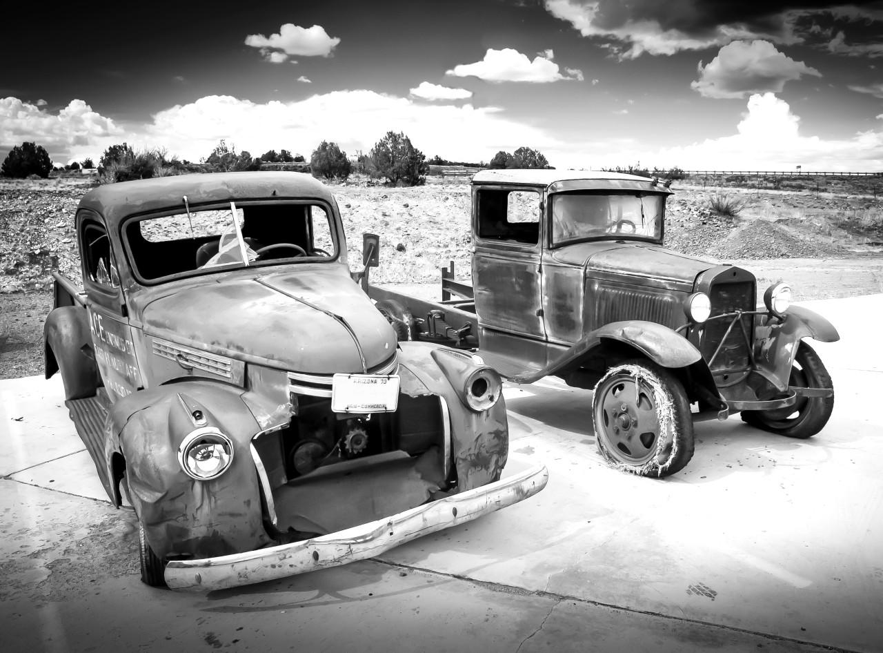 Autowracks Schwarz & Weiß