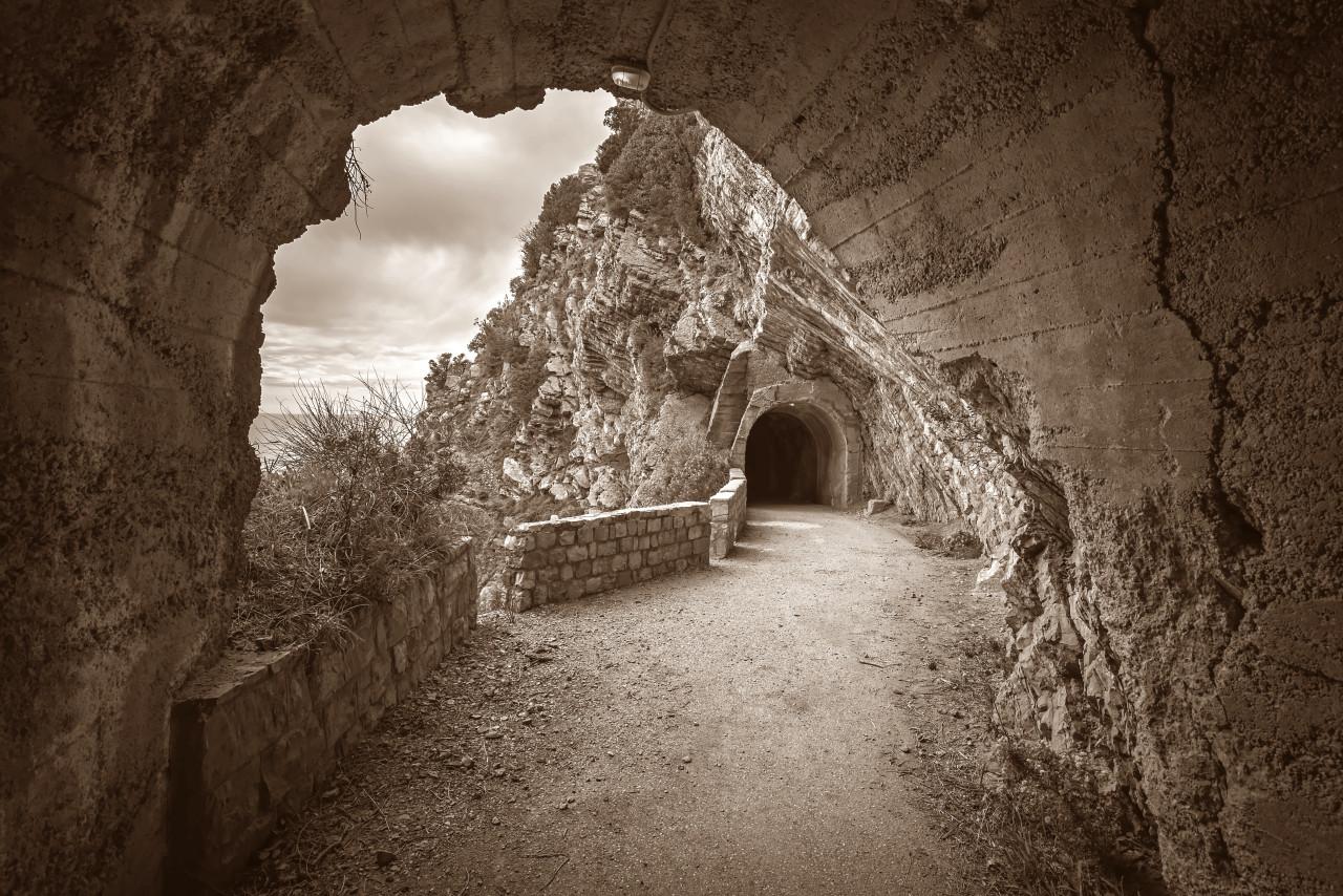 Bergweg Sepia