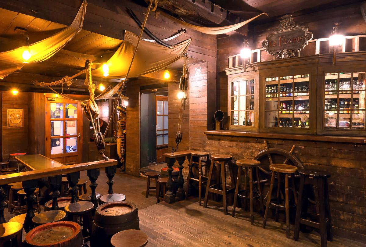 Old Schooner Style Bar