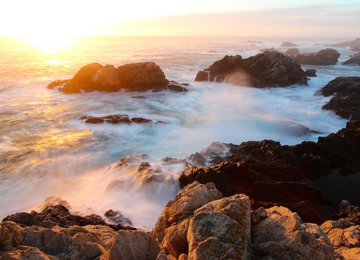 Sonnenuntergang an der Küste von Big Sur