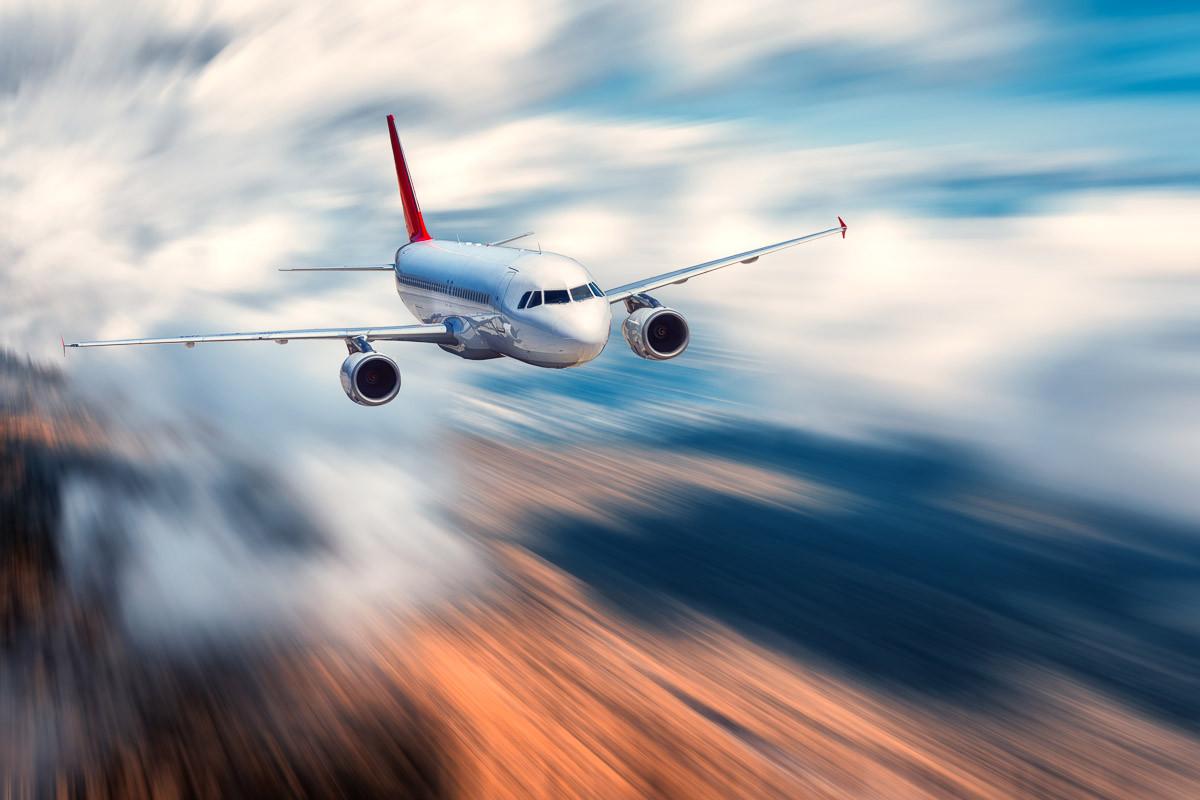Fliegendes Flugzeug