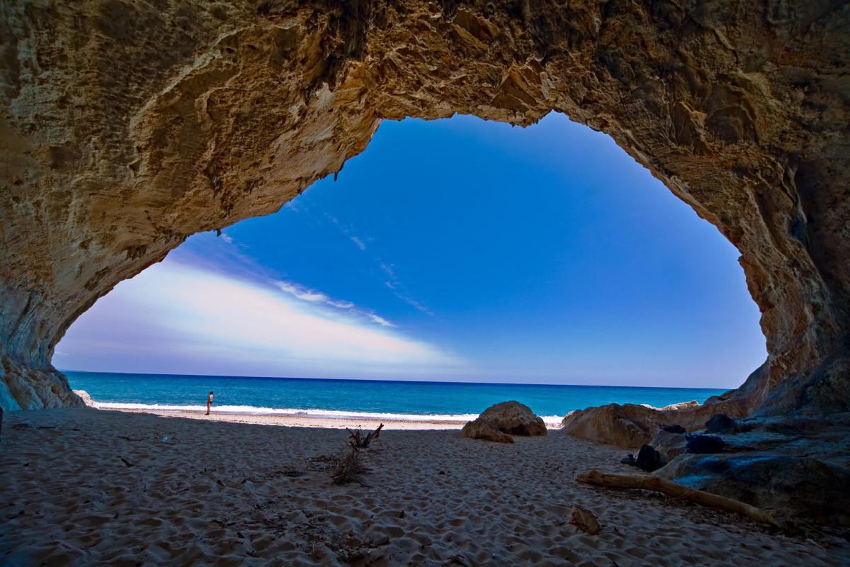 Höhle Cala Luna Sardinien
