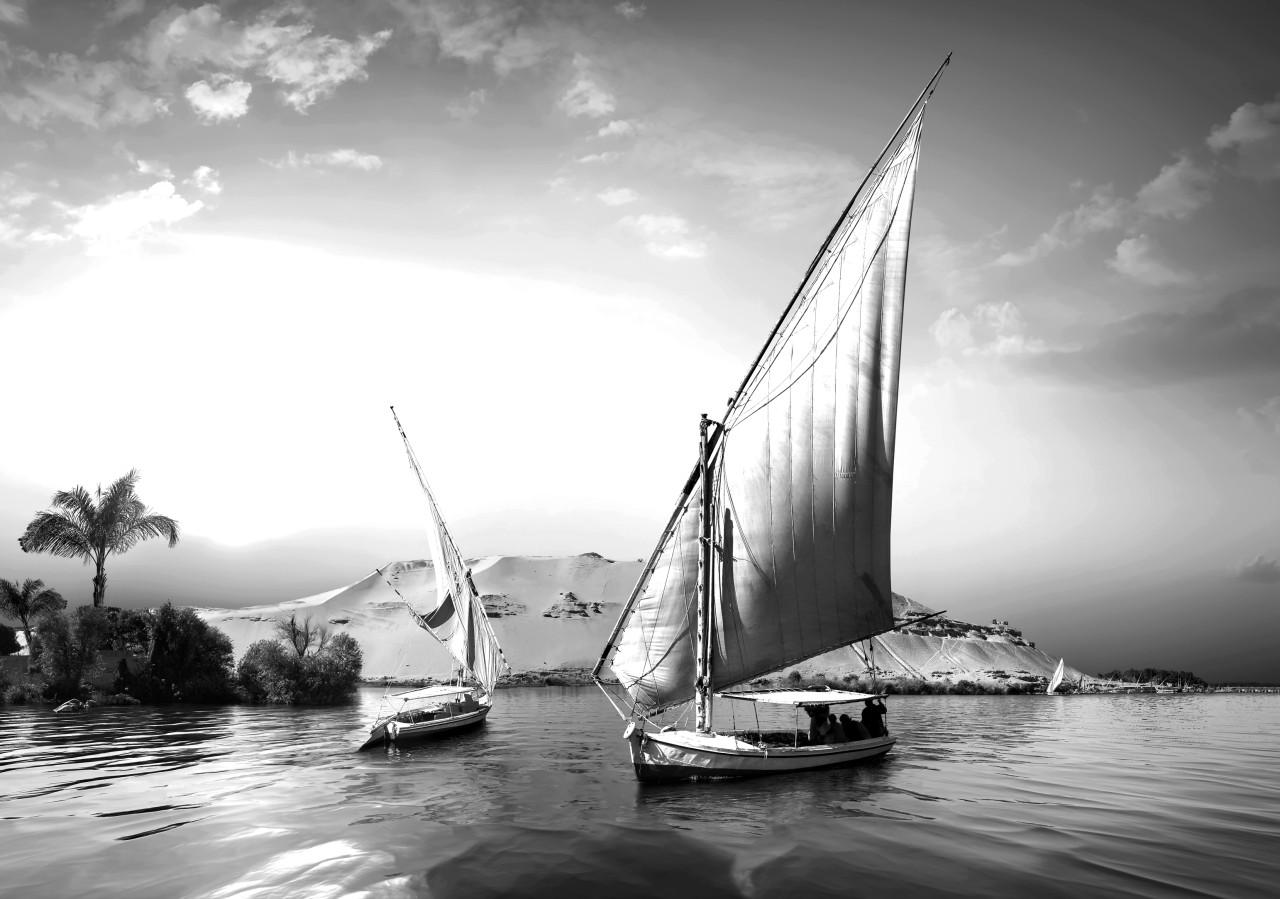Boote Schwarz & Weiß