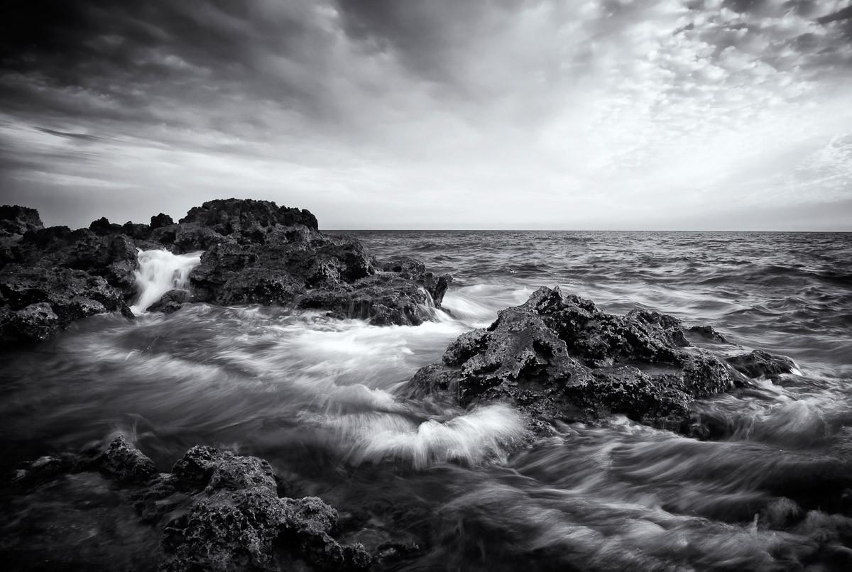 Seelandschaft mit Wellen