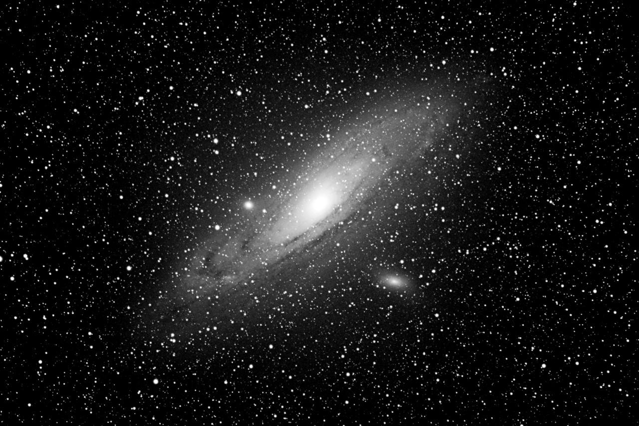 Universum Schwarz & Weiß