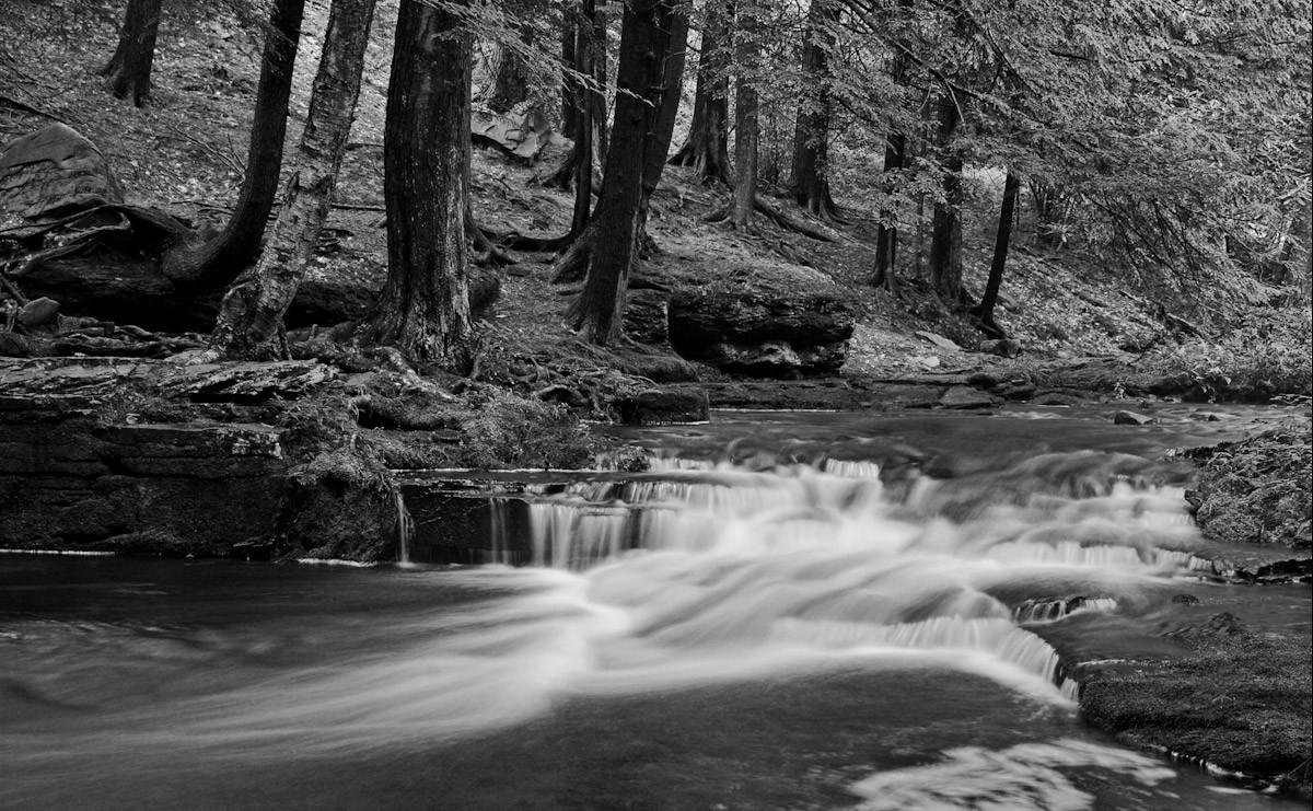 Wasserfall Schwarz & Weiß