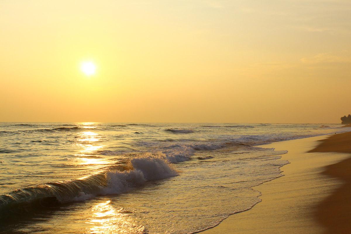 Sonnenuntergangsstrand Sri Lanka