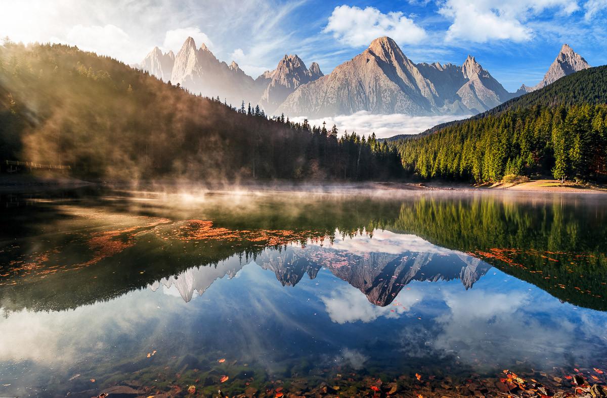 Bergsee Herbstnebel
