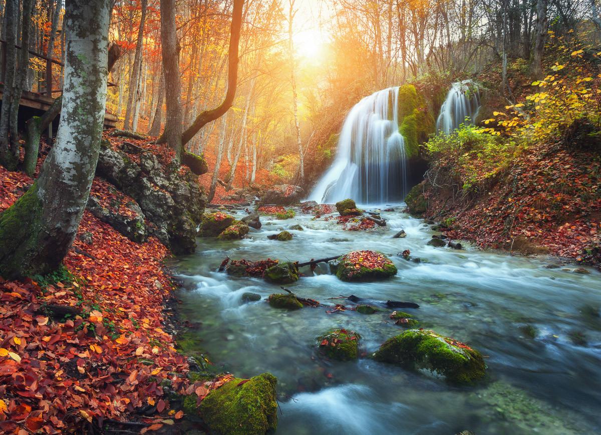 Mountain River Autun Wasserfall
