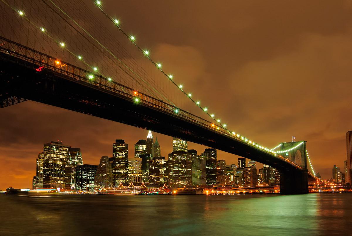 Brooklyn Bridge bei Nacht