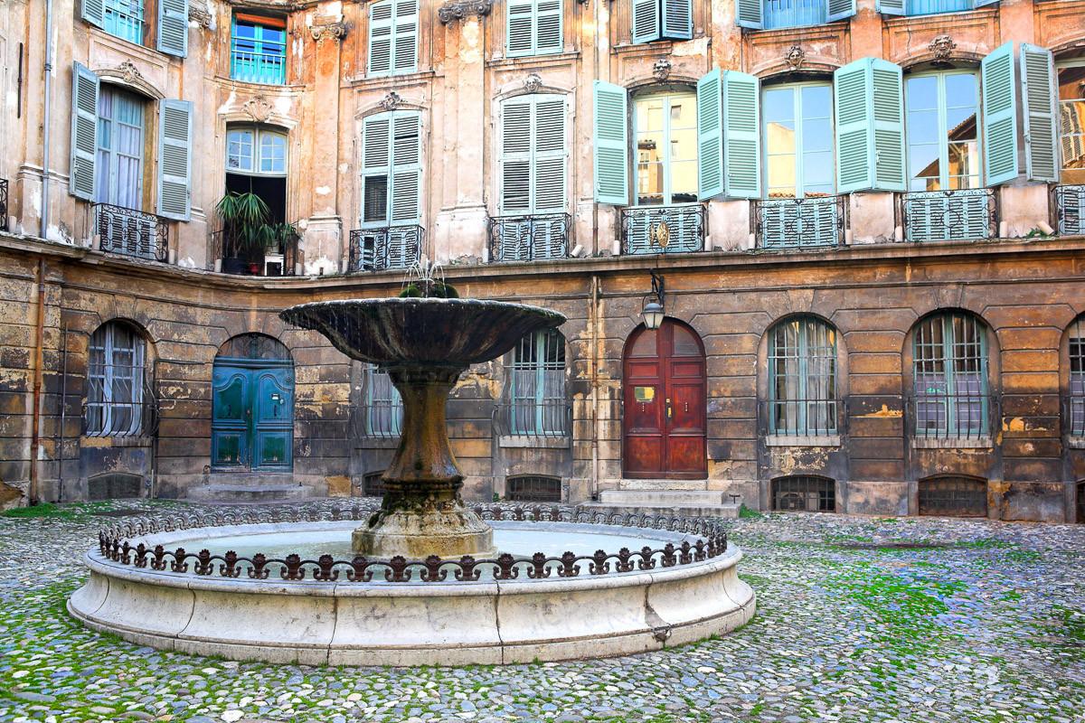 Hof Aix-en-Provence