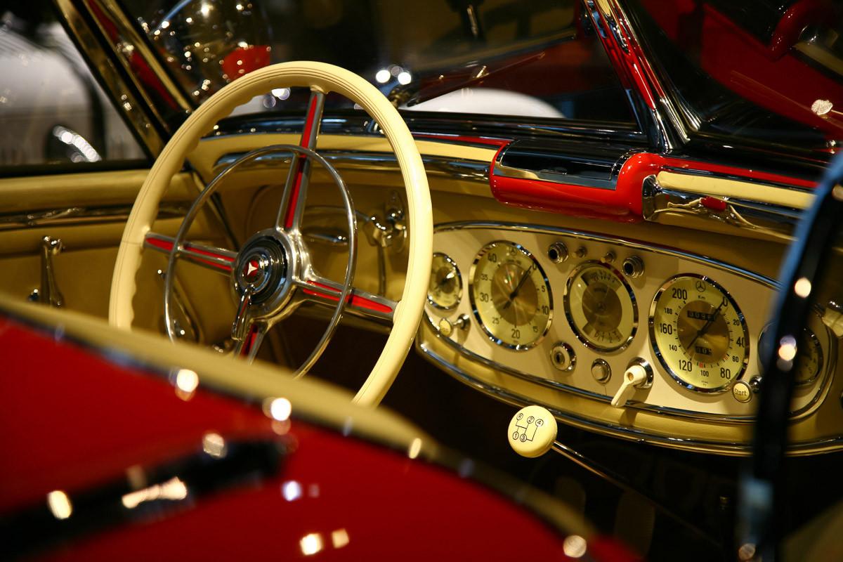 Klassisches Benz Interieur