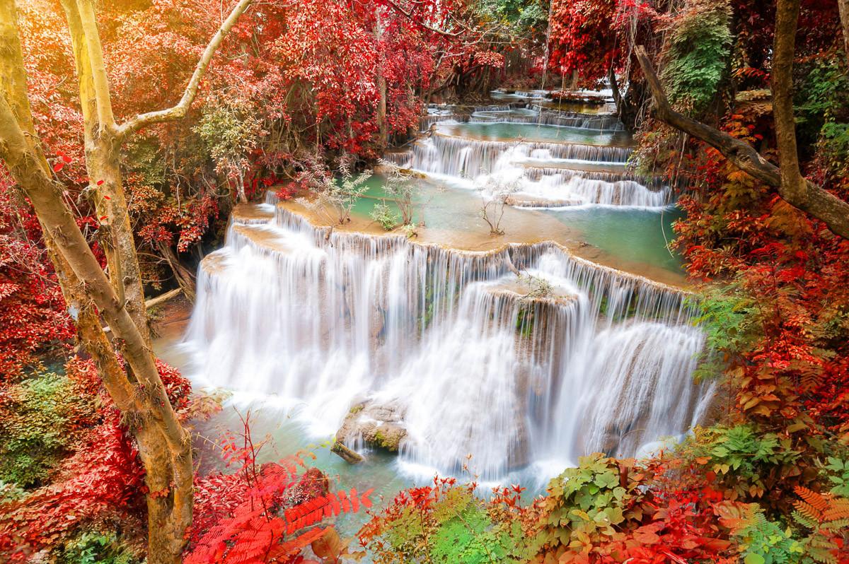 Huay Mae Kamin Herbst Wasserfall